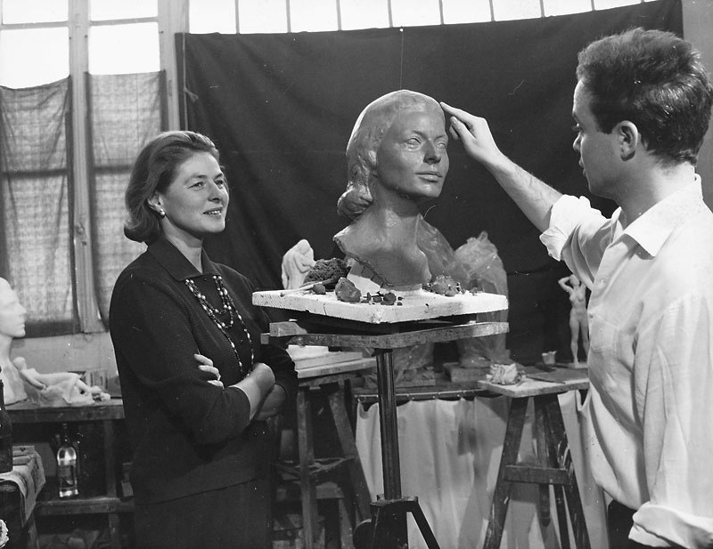 Ingrid Bergman posing (1964)