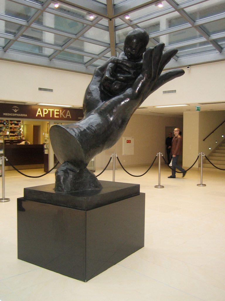 Prelude - H. 220 cm, bronze (Medicover Warsaw, Poland)